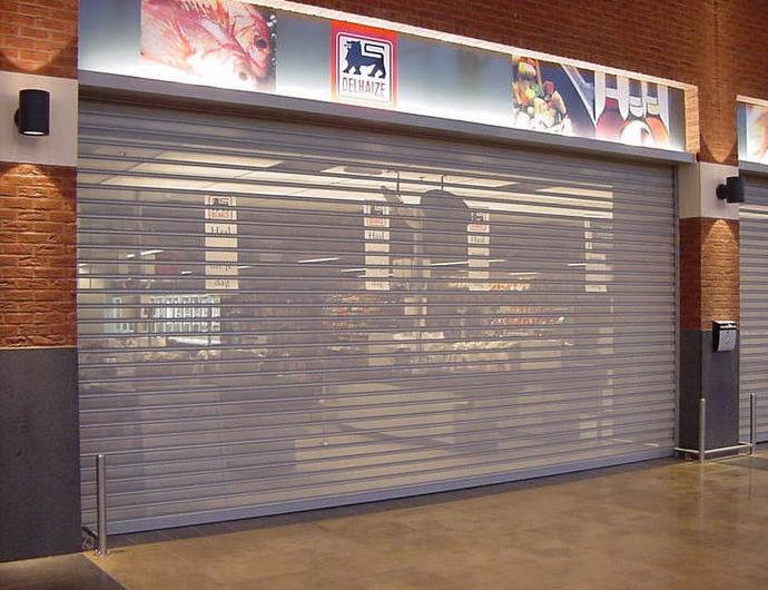 Volets roulants transparents pour magasins